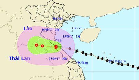 Bao so 10 da di vao cac tinh Ha Tinh - Quang Binh, Ha Noi mua to - Anh 1