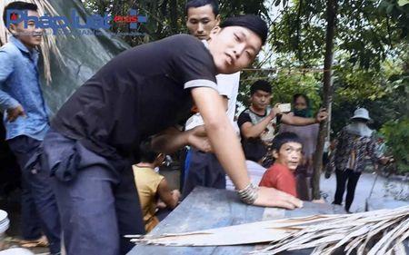 Ha Giang: Tu y mo nap thung, bat den bac trieu khi bi ong dot - Anh 2