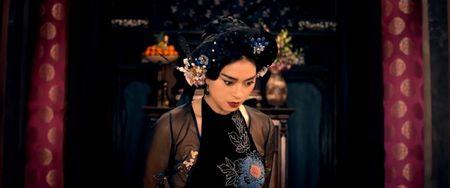 Cu cuoi di 'Cam' Lan Ngoc, kiep sau bi 'me' Ngo Thanh Van tat cho sung mat - Anh 2