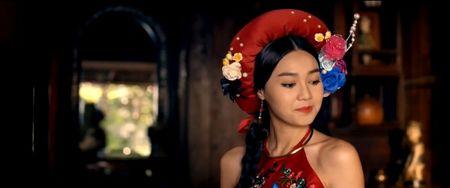 Cu cuoi di 'Cam' Lan Ngoc, kiep sau bi 'me' Ngo Thanh Van tat cho sung mat - Anh 6