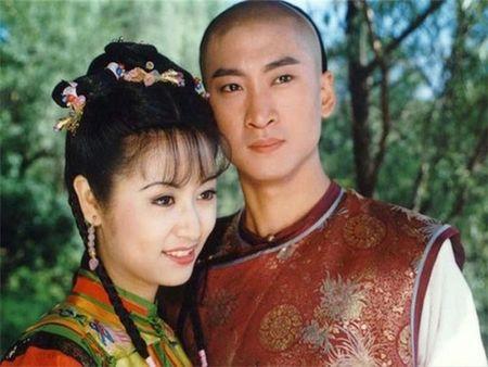 Sau 'lum xum choi xau' Trieu Vy, Lam Tam Nhu 'an gach' vi giau 'do choi nguoi lon' trong nha - Anh 2