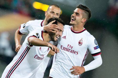 'Nguoi ke vi Ronaldo' ghi 3 ban giup AC Milan dai thang 5-1 - Anh 11
