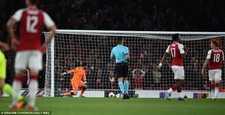 Sanchez lap sieu pham, Arsenal nguoc dong ngoan muc - Anh 4