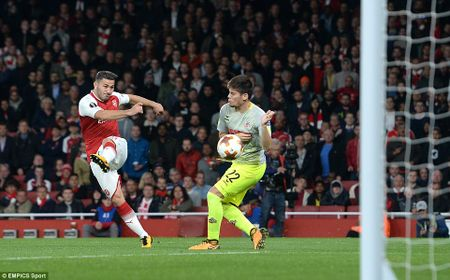 Sanchez lap sieu pham, Arsenal nguoc dong ngoan muc - Anh 6