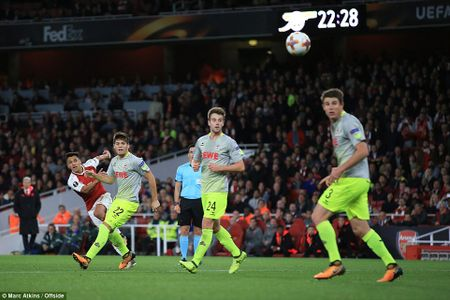 Sanchez lap sieu pham, Arsenal nguoc dong ngoan muc - Anh 7