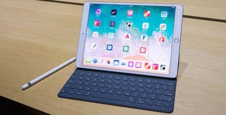 Sau ra mat iPhone 8, Apple ngam ngam tang gia iPad Pro - Anh 1