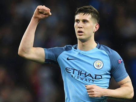 Doi hinh tieu bieu vong 1 Champions League: Su tro lai cua cac ngoi sao M.U - Anh 5