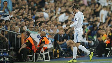 Real Madrid dang no Bale rat nhieu, nhung Madridista thi che nhao anh - Anh 1