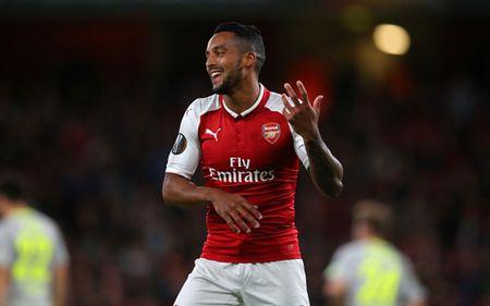 Cham diem Arsenal 3-1 FC Cologne: Bellerin che mo Sanchez - Anh 10