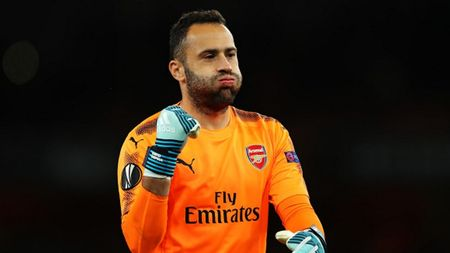 Cham diem Arsenal 3-1 FC Cologne: Bellerin che mo Sanchez - Anh 2