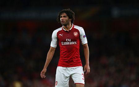 Cham diem Arsenal 3-1 FC Cologne: Bellerin che mo Sanchez - Anh 7