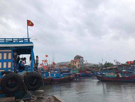 Thanh Hoa di doi dan ung pho voi bao so 10 - Anh 8