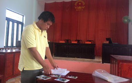 Mot nguoi dan thang kien Truong Cong an huyen Phu Quoc - Anh 1