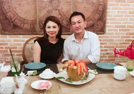 Chuyen showbiz: Ha Vi hen ho voi ban trai cu A hau Hoang Oanh? - Anh 3