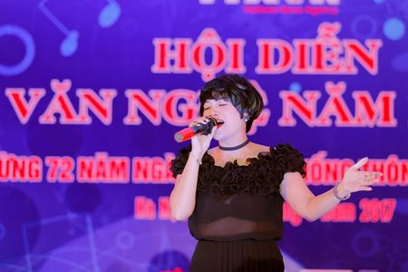 Ngoc Khue tham gia bau chon 6 giai A trong 'Hoi dien van nghe TTXVN' - Anh 1
