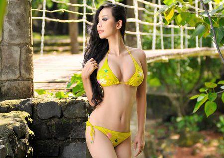 Khoa than chup anh nghe thuat, my nhan Viet 'hung bao du luan' - Anh 10
