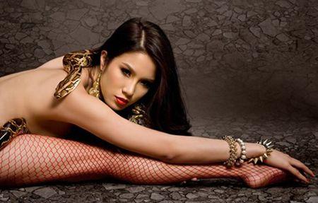 Khoa than chup anh nghe thuat, my nhan Viet 'hung bao du luan' - Anh 12