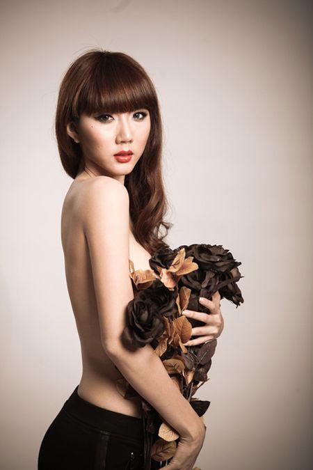 Khoa than chup anh nghe thuat, my nhan Viet 'hung bao du luan' - Anh 3