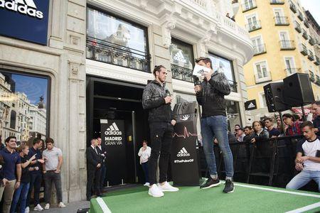 Bi CDV Real la o khi du su kien, Bale tien gan hon toi Man Utd? - Anh 2