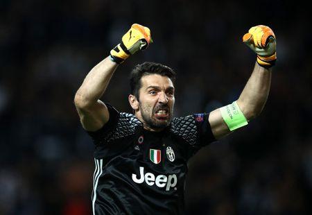 Buffon muon sang My thi dau truoc khi lam sep tai Juventus - Anh 1