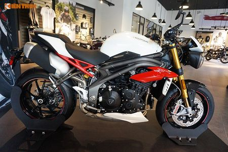 Moto Triumph Speed Triple R chinh hang gia 699 trieu tai VN - Anh 2