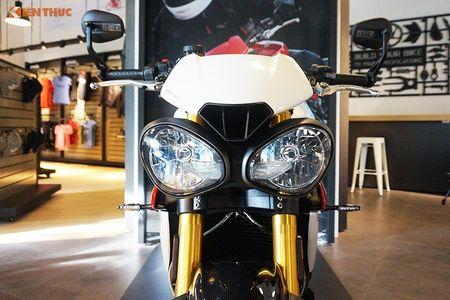Moto Triumph Speed Triple R chinh hang gia 699 trieu tai VN - Anh 3