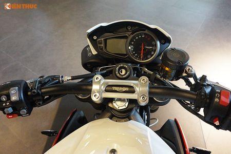 Moto Triumph Speed Triple R chinh hang gia 699 trieu tai VN - Anh 5