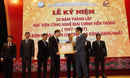 Hoc vien Cong nghe Buu chinh vien thong nhan Huan chuong Lao dong hang Nhat - Anh 2
