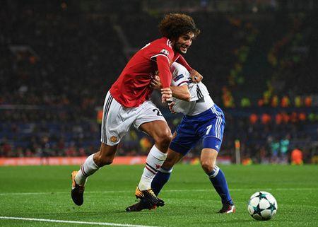 HLV Mourinho len ke hoach thay the Pogba - Anh 2