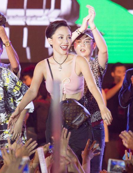 Fan hoa giong hat cung Toc Tien ban hit trieu luot nghe - Anh 1