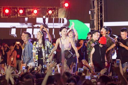 Fan hoa giong hat cung Toc Tien ban hit trieu luot nghe - Anh 2