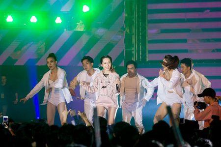 Fan hoa giong hat cung Toc Tien ban hit trieu luot nghe - Anh 9