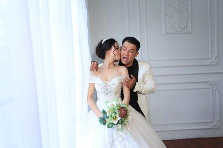 Van Quang Long chinh thuc cong bo chuyen lay vo lan 2, khoe anh ba xa kem 10 tuoi - Anh 13