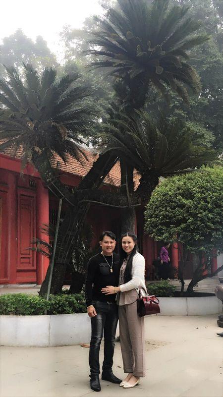 Van Quang Long chinh thuc cong bo chuyen lay vo lan 2, khoe anh ba xa kem 10 tuoi - Anh 19