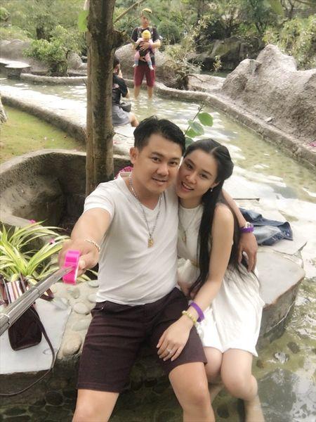 Van Quang Long chinh thuc cong bo chuyen lay vo lan 2, khoe anh ba xa kem 10 tuoi - Anh 20