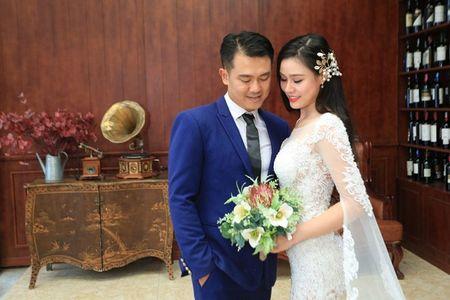 Van Quang Long chinh thuc cong bo chuyen lay vo lan 2, khoe anh ba xa kem 10 tuoi - Anh 5