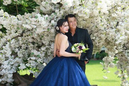 Van Quang Long chinh thuc cong bo chuyen lay vo lan 2, khoe anh ba xa kem 10 tuoi - Anh 8