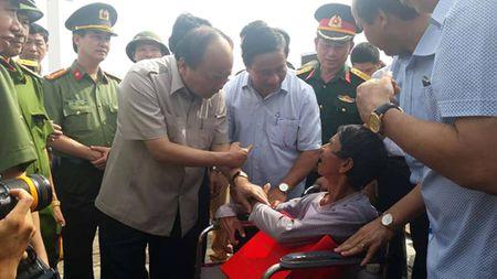 Thu tuong Nguyen Xuan Phuc thi sat vung tam bao - Anh 3