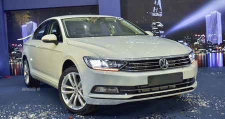 Volkswagen Passat Bluemotion 2017 gia 1,450 ty canh tranh Toyota Camry - Anh 14