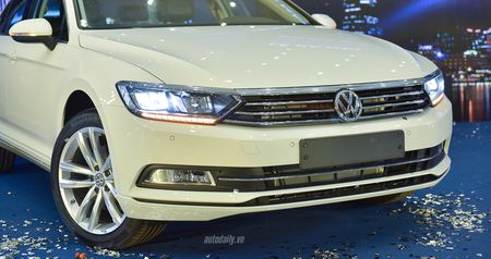 Volkswagen Passat Bluemotion 2017 gia 1,450 ty canh tranh Toyota Camry - Anh 15