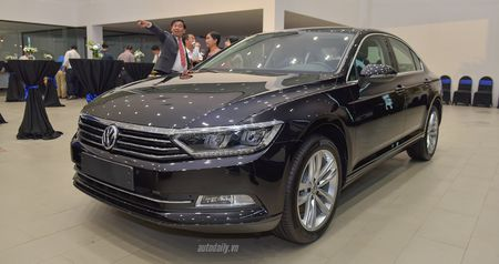 Volkswagen Passat Bluemotion 2017 gia 1,450 ty canh tranh Toyota Camry - Anh 1
