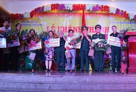 Khanh thanh Dai chung tich chien si bao ve Thanh Co Quang Tri nam 1972 - Anh 1