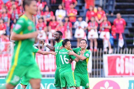 Hai Phong vuot tam bao, XSKT Can Tho gianh diem tranh Play-off - Anh 3
