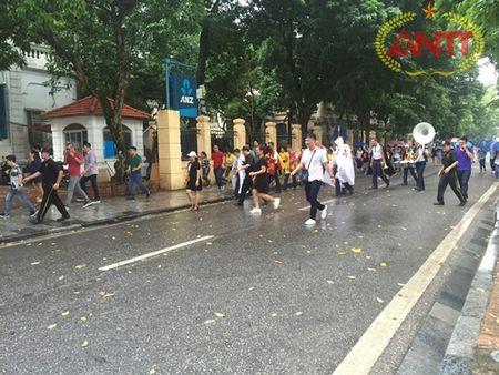 Ha Noi: Show Carnival dau tien khuay dong pho di bo Ho Guom - Anh 14