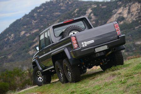 'Quai vat 6 banh' Southern Scorpion 6x6 LandCruiser gia 180.000USD - Anh 10