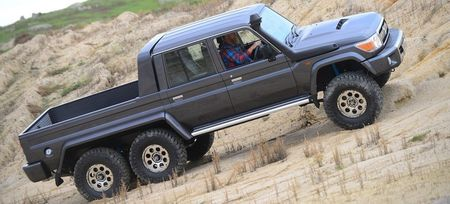 'Quai vat 6 banh' Southern Scorpion 6x6 LandCruiser gia 180.000USD - Anh 8