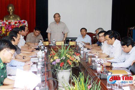 Thu tuong Nguyen Xuan Phuc: Don suc khac phuc hau qua bao nhanh nhat, hieu qua nhat - Anh 1