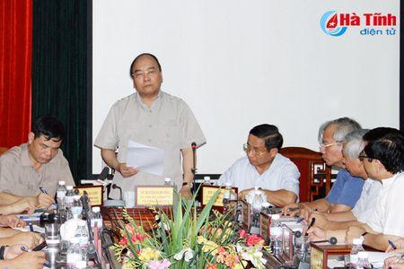 Thu tuong Nguyen Xuan Phuc: Don suc khac phuc hau qua bao nhanh nhat, hieu qua nhat - Anh 4