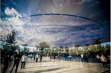 Choang ngop truoc khuon vien lam viec moi cua Apple – Apple Park - Anh 10