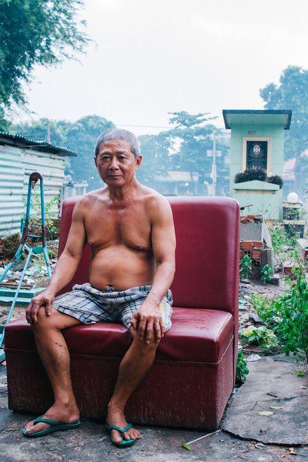 Cuoc song cua nhung nguoi dan cuoi cung trong nghia trang lon nhat Sai Gon - Anh 13